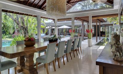 LataLiana Villas 5Br Dining Area   Seminyak, Bali