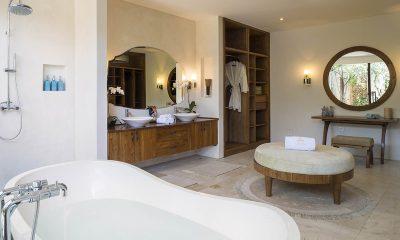 LataLiana Villas 8Br Bathroom   Seminyak, Bali