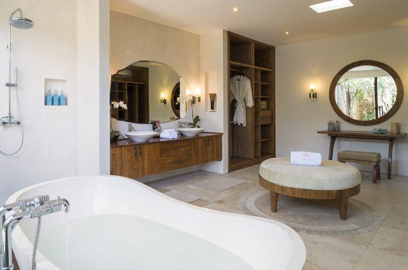 LataLiana Villas 8Br En-suite Bathroom | Seminyak, Bali