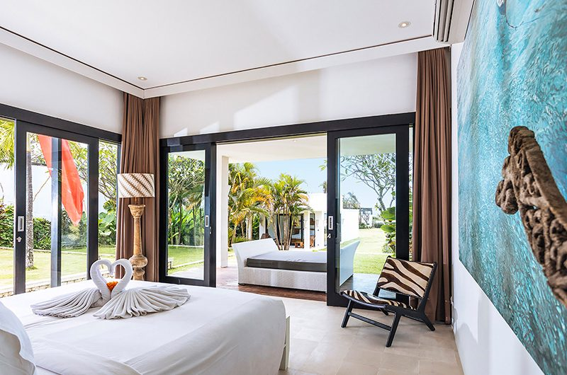 Villa Anucara Bedroom with Balcony | Seseh, Bali