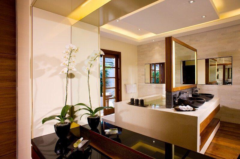 Villa Istana Bathroom | Uluwatu, Bali