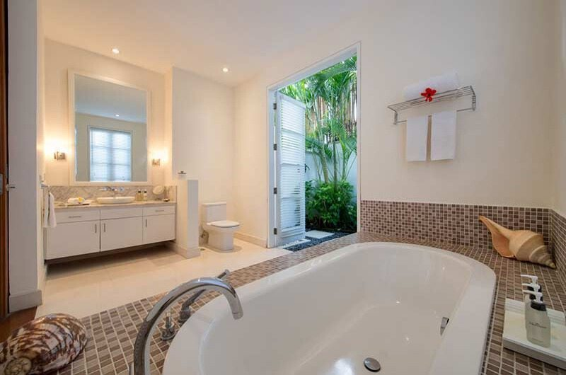Villa Jajaliluna En-suite Bathroom | Seminyak, Bali