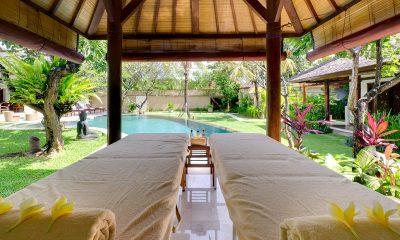 Villa Maharaj Massage Beds   Petitenget, Bali