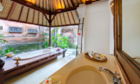Villa Pangi Gita Bathroom with Bathtub | Pererenan, Bali