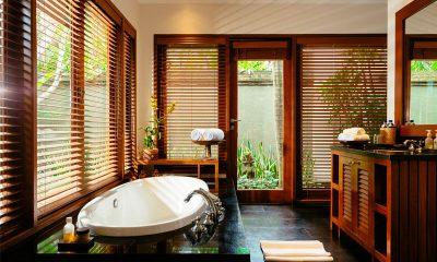 Villa Semarapura Bathroom with Bathtub | Seseh, Bali