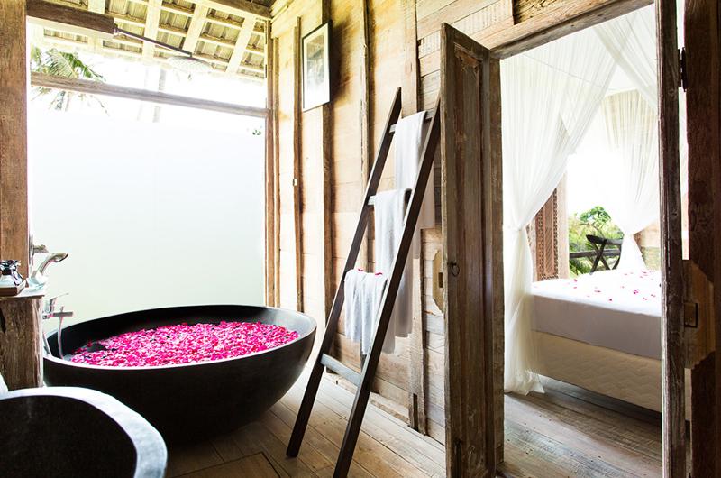 Villa Sungai Tinggi Guest Bathroom | Canggu, Bali