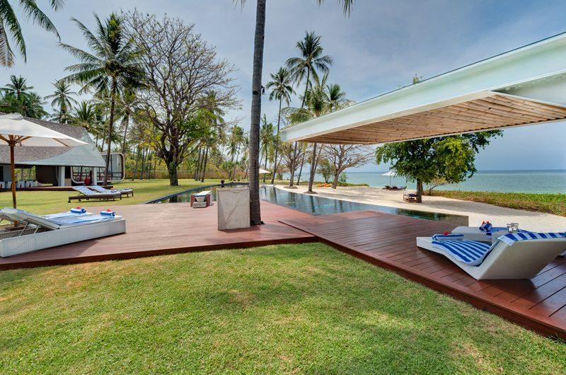 Villa Sapi Sun Loungers | Lombok, Indonesia