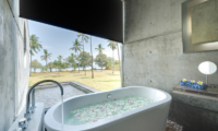 Villa Sapi Romantic Bathtub Set Up | Lombok, Indonesia