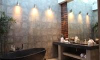 Casa Hannah Bathroom | Seminyak, Bali