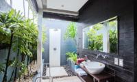Kembali Villas Three Bedroom Villas Bathroom | Seminyak, Bali