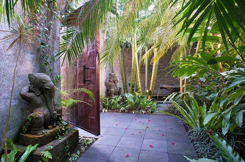 Maya Retreat Entrance   Canggu, Bali