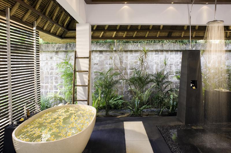 Maya Retreat Bathtub   Canggu, Bali