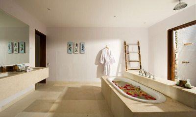 Villa Sepoi Sepoi Bathroom | Lombok, Bali