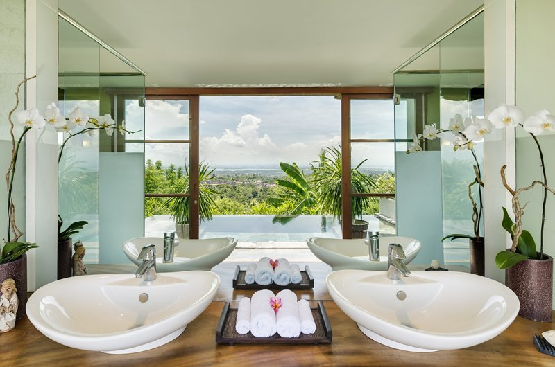 The Longhouse Guest Bathroom | Jimbaran, Bali