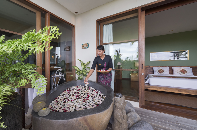 The Longhouse Bathtub with Rose Petals | Jimbaran, Bali