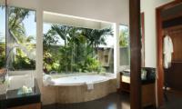 The Shanti Residence En-suite Bathtub | Nusa Dua, Bali