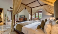 Villa Asta Master Bedroom | Batubelig, Bali