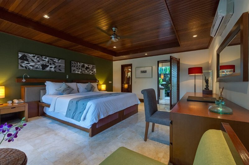 Villa Asta Guest Bedroom One | Batubelig, Bali