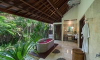 Villa Asta Outdoor Bathtub | Batubelig, Bali