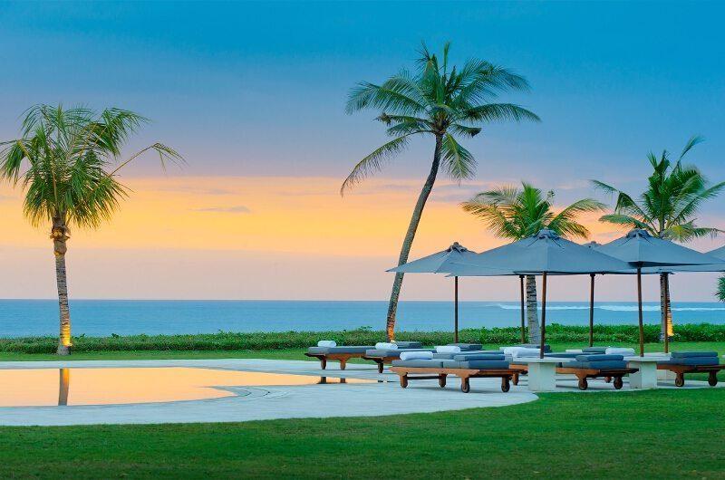 Villa Atas Ombak Sun Deck | Batubelig, Bali