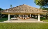 Villa Atas Ombak Living Pavilion | Batubelig, Bali