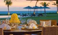 Villa Atas Ombak Outdoor Dining | Batubelig, Bali