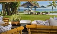 Villa Atas Ombak Outdoor Lounge | Batubelig, Bali