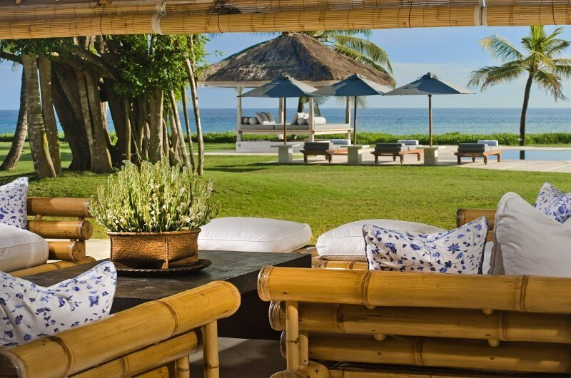 Villa Atas Ombak Outdoor Lounge   Batubelig, Bali