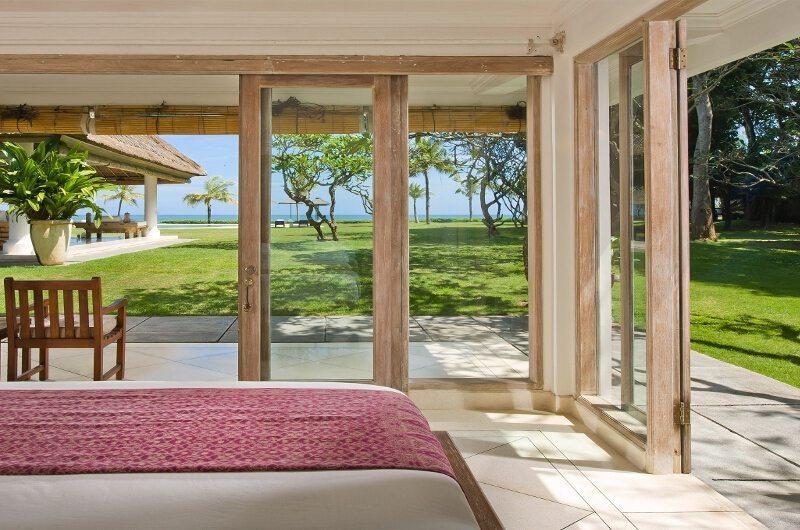 Villa Atas Ombak Guest Bedroom | Batubelig, Bali