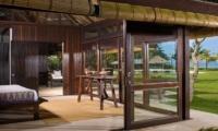 Villa Atas Ombak Bedroom | Batubelig, Bali