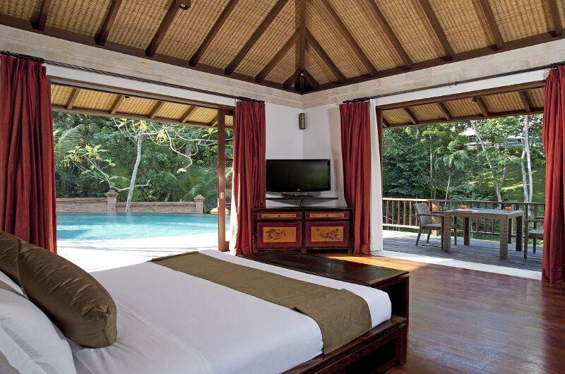 Villa Iskandar Master Bedroom | Seseh-Tanah Lot, Bali