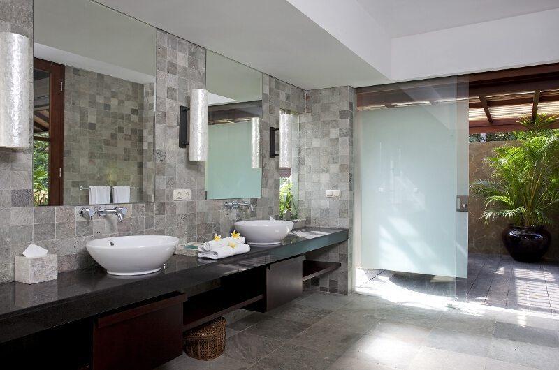 Villa Iskandar En-suite Bathroom | Seseh-Tanah Lot, Bali