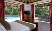 Villa Iskandar Bedroom with Pool View | Seseh, Bali