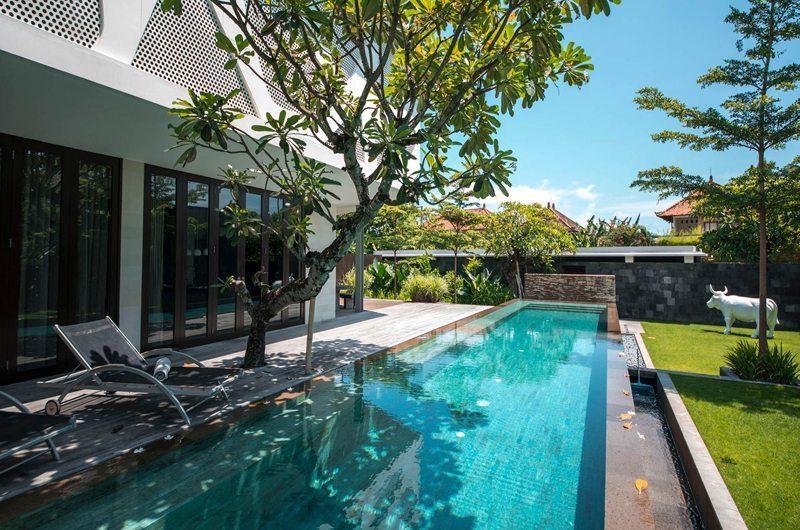 Villa Issi Sun Loungers | Seminyak, Bali