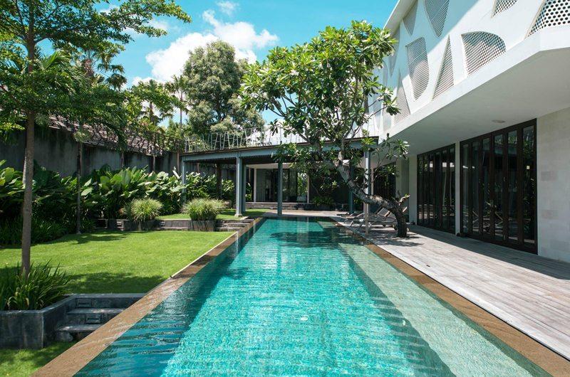 Villa Issi Reclining Sun Loungers   Seminyak, Bali