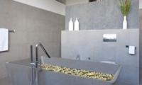 Villa Issi Indoor Bathtub | Seminyak, Bali