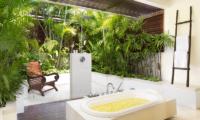Villa Jemma Romantic Bathtub Set Up | Seminyak, Bali