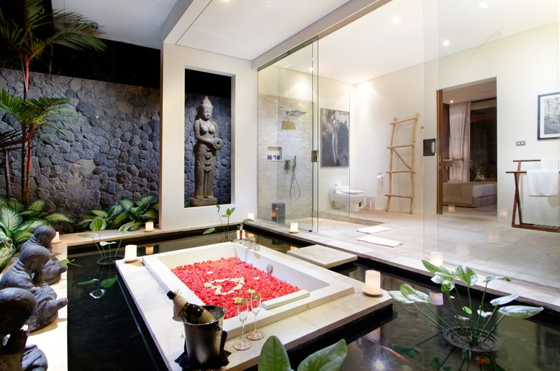 Villa Kalyani Outdooor Bathtub   Canggu, Bali