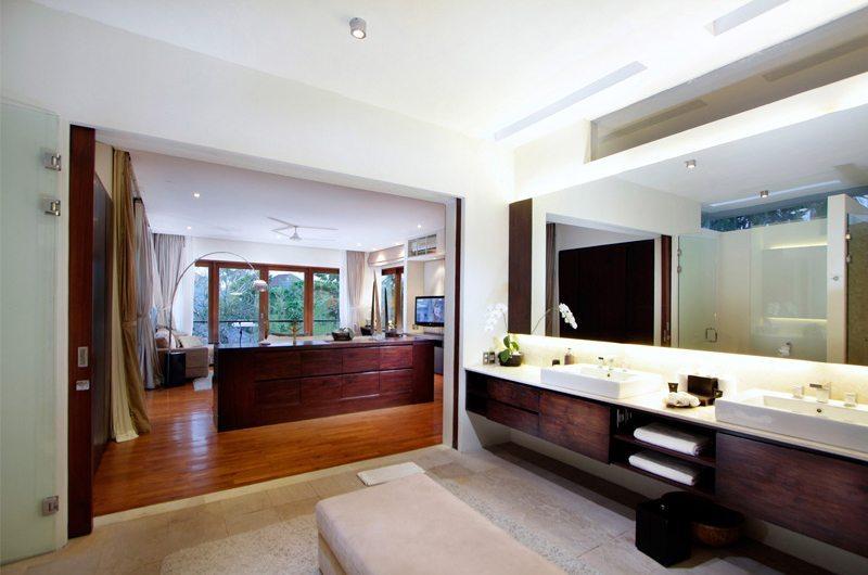 Villa Kalyani Bedroom And En-suite Bathroom   Canggu, Bali