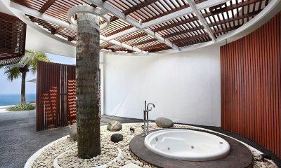 Villa Latitude Bali Bathtub   Uluwatu, Bali