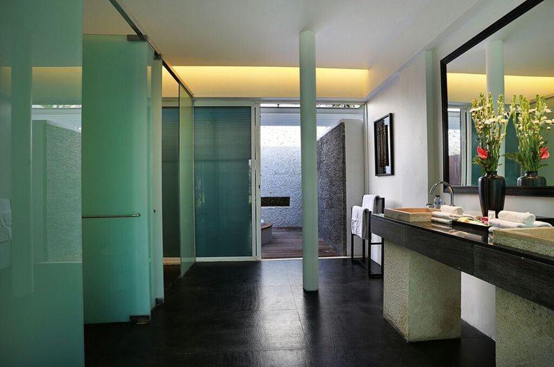 Villa Latitude Bali Bathroom | Uluwatu, Bali
