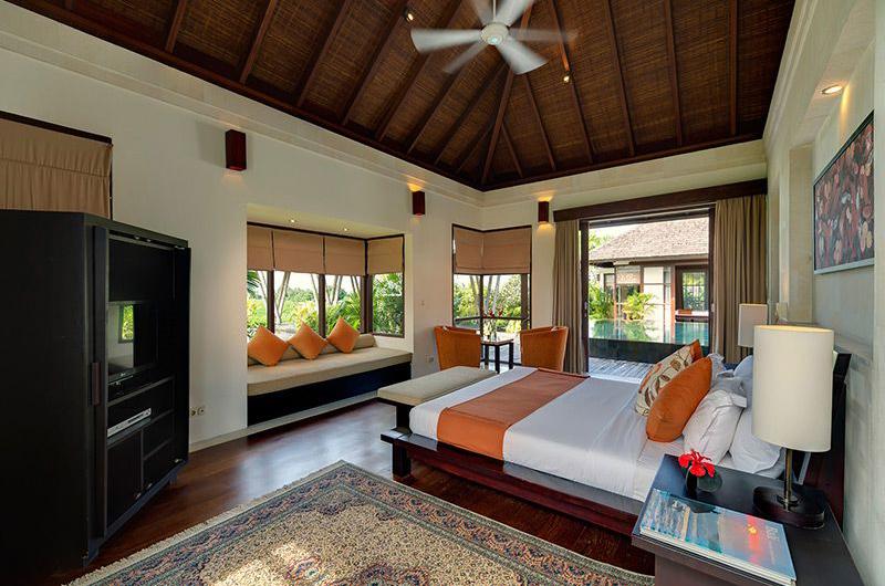 Villa Mandalay Bedroom with Sofa | Seseh, Bali