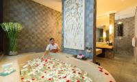 Villa Mandalay Romantic Bathroom Set Up | Seseh, Bali