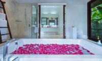 Villa Sabana Master Bathroom | Canggu, Bali