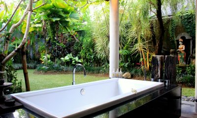 Villa Sally Outdooor Bathtub | Canggu, Bali