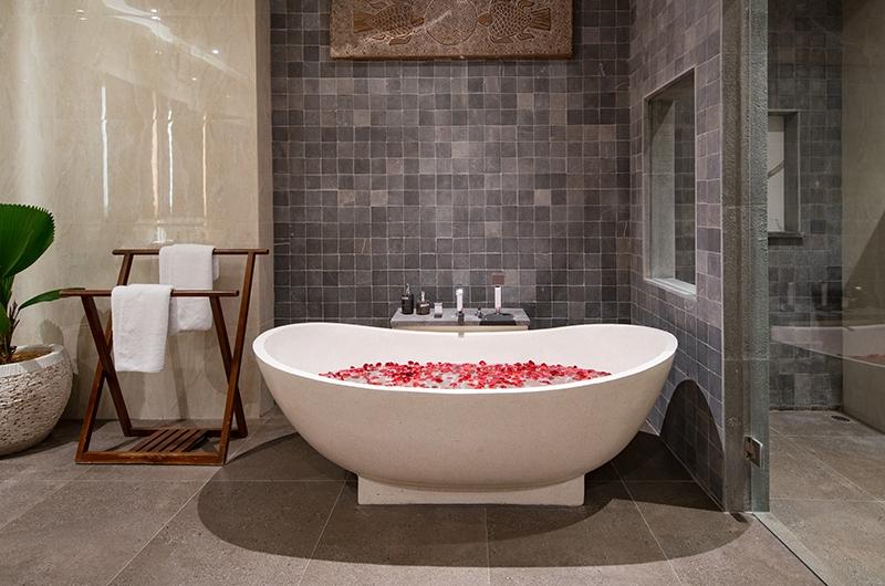 Villa Sally One Bedroom Premier Bathroom | Canggu, Bali