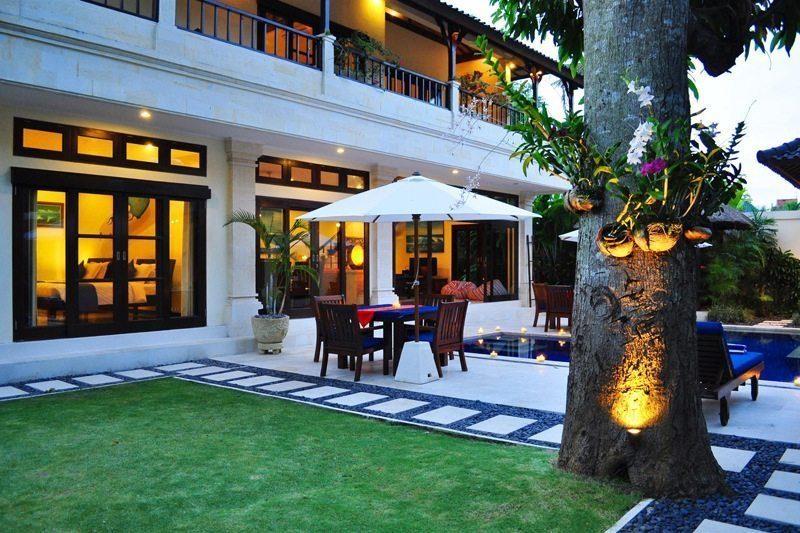 Villa Sayang Outdoor Dining Area | Seminyak, Bali