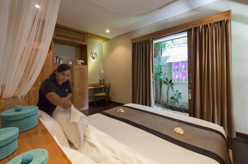 Villa Shambala Bedroom with Study Table | Seminyak, Bali