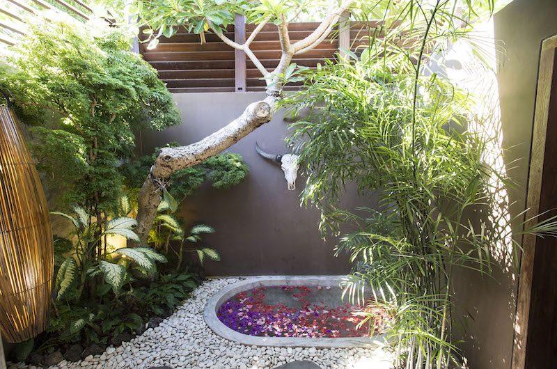 Villa Shambala Bathtub Area | Seminyak, Bali