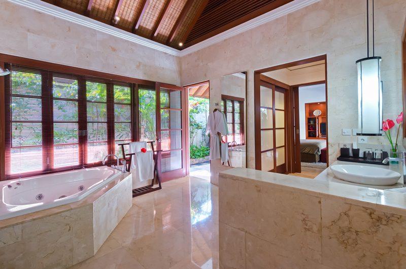 Villa Shinta Dewi Bathroom | Seminyak, Bali